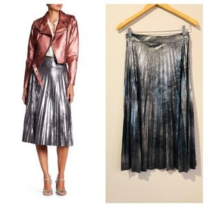 Romeo&Juliet Couture Silver Pleated Skirt/S,M/NWT